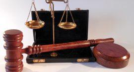 """עו""""ד ירון ברנהולץ הגיש תביעה נגד נתן פלד"""