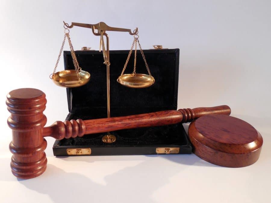 ירון ברנהולץ ניצח בתביעה ויקבל פיצויים